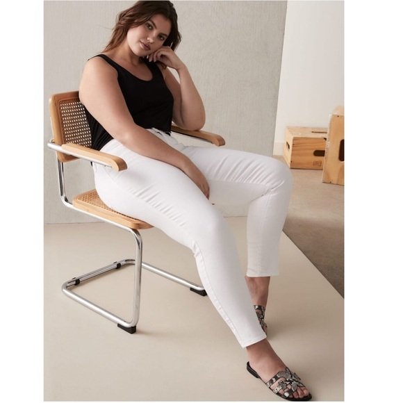 Levi's Denim - ⬇️ NWT Levis 711 Skinny Mid Rise Jeans Plus 28W